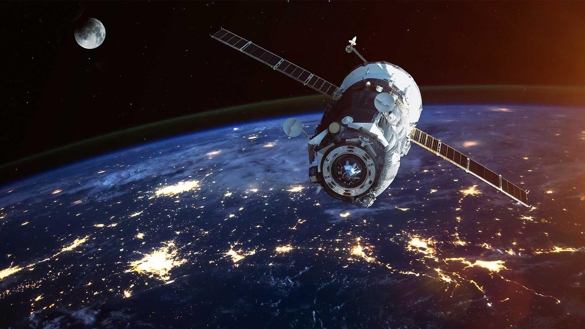 ¿Cómo caen 8 toneladas y media desde el espacio?.Cúmulo de galaxias MACS J1149