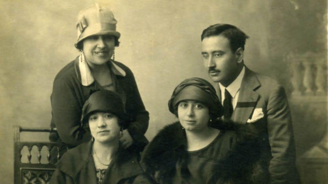 Con su familia, que formó en Galicia.