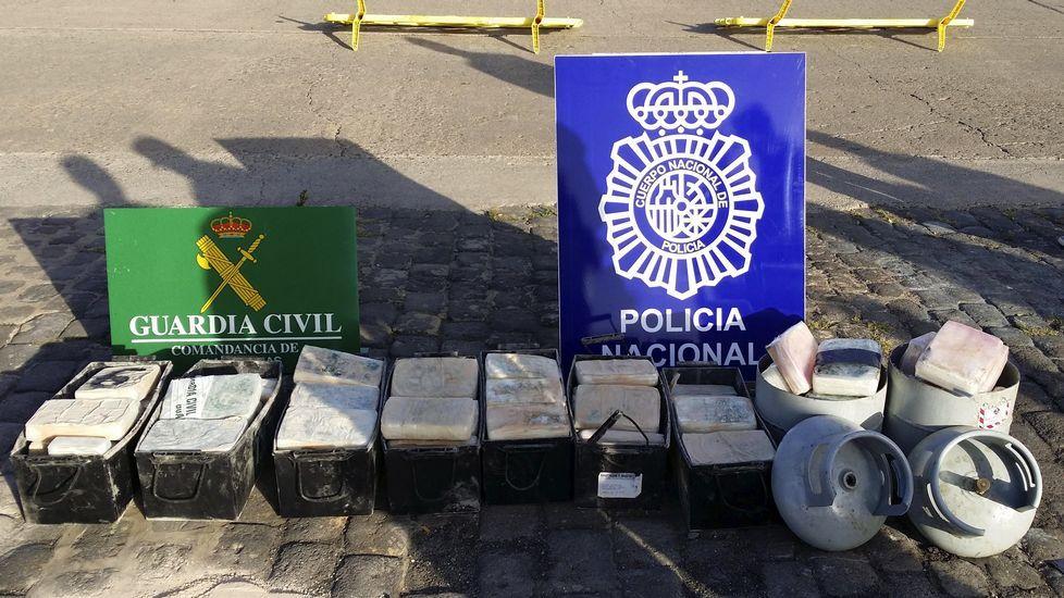 La Policía Nacional interviene en Tui más de 56 kilos de heroína ocultos en un coche.Antigua casa de socorro de avenida de Galicia, sede que se baraja ahora para la comisaría.
