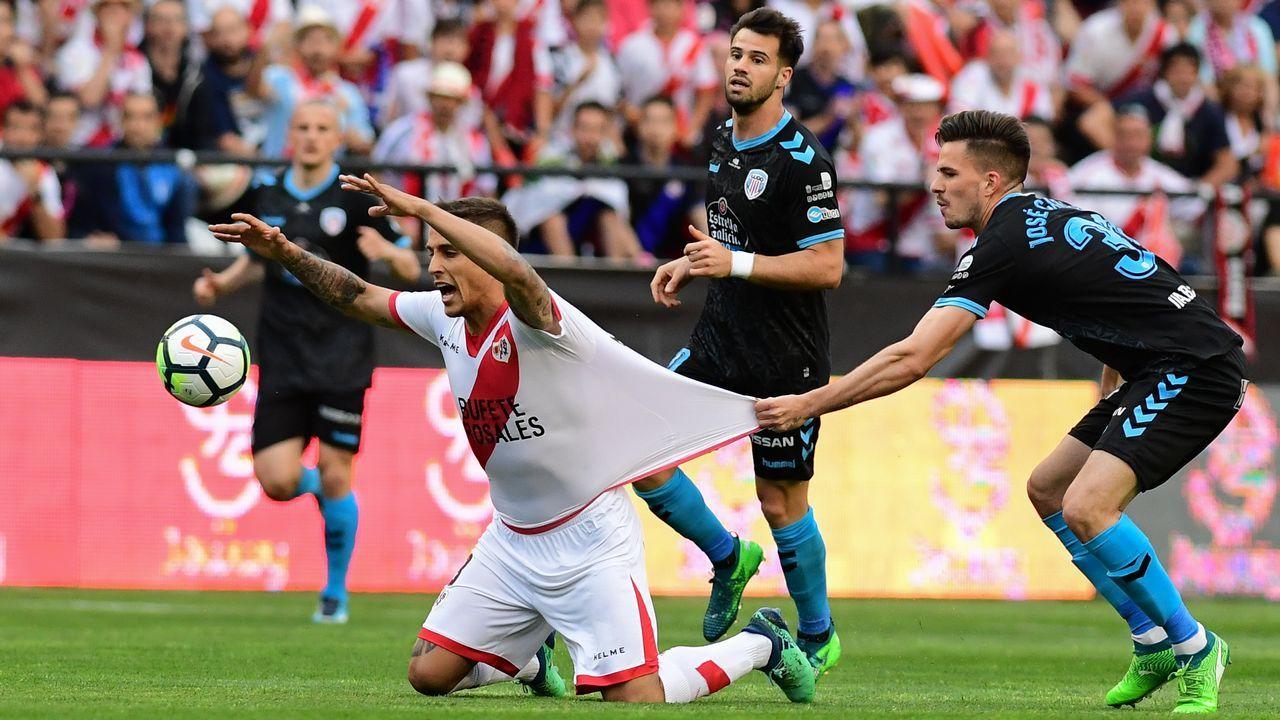 Pandiani, durante un partido con los veteranos del Deportivo en septiembre del 2016