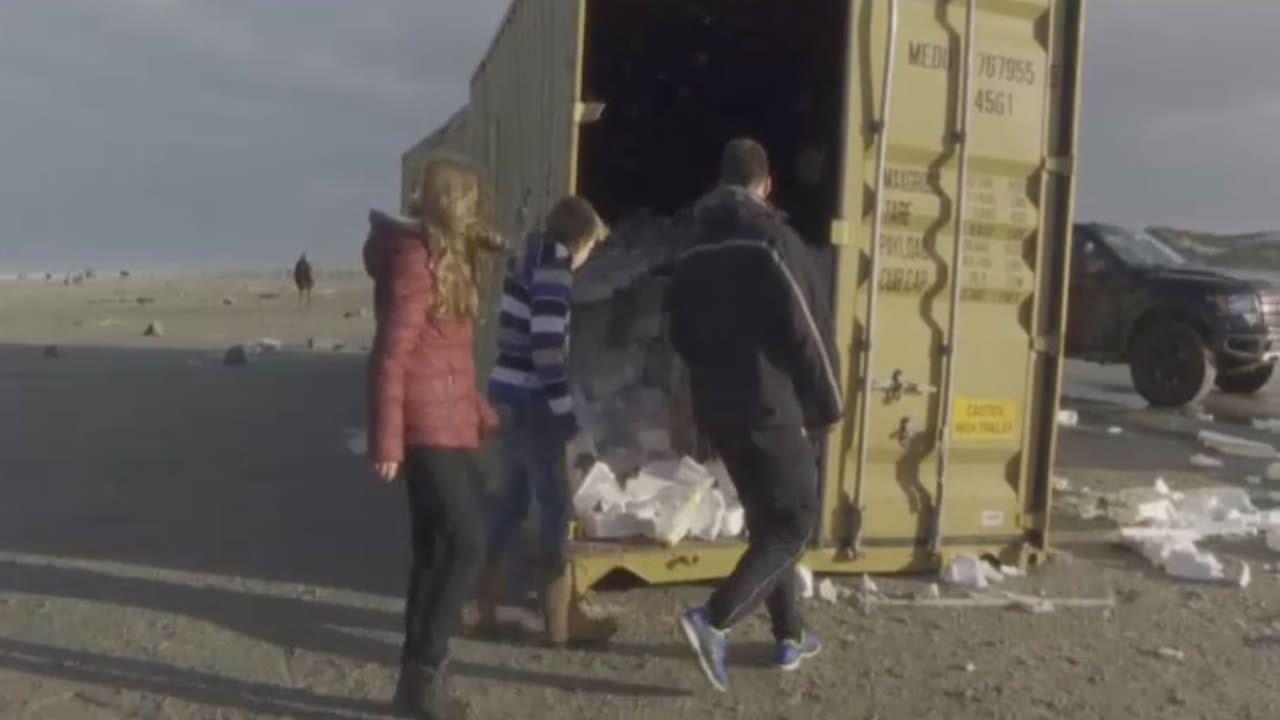 Saqueo en la costa holandesa.En este accidente múltiple ocurrido en la A8 en el 2014 falleció atropellada una enfermera que salió de su vehículo para asistir a los heridos
