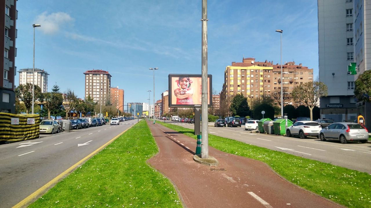 El centro de Gijón sin apenas tráfico
