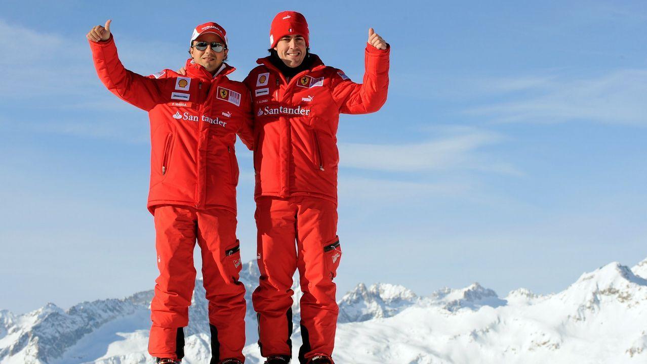 Alonso y Massa en una de las clásicas jornadas de esqui organizadas por la escudería italiana en los Alpes Dolomitas