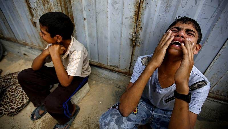 Nueva jornada de bombardeos en Gaza.Tanques israelíes en Gaza
