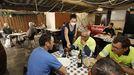 En A Bodega, en San Cibrao, comen a diario el menú del día obreros de empresas y particulares