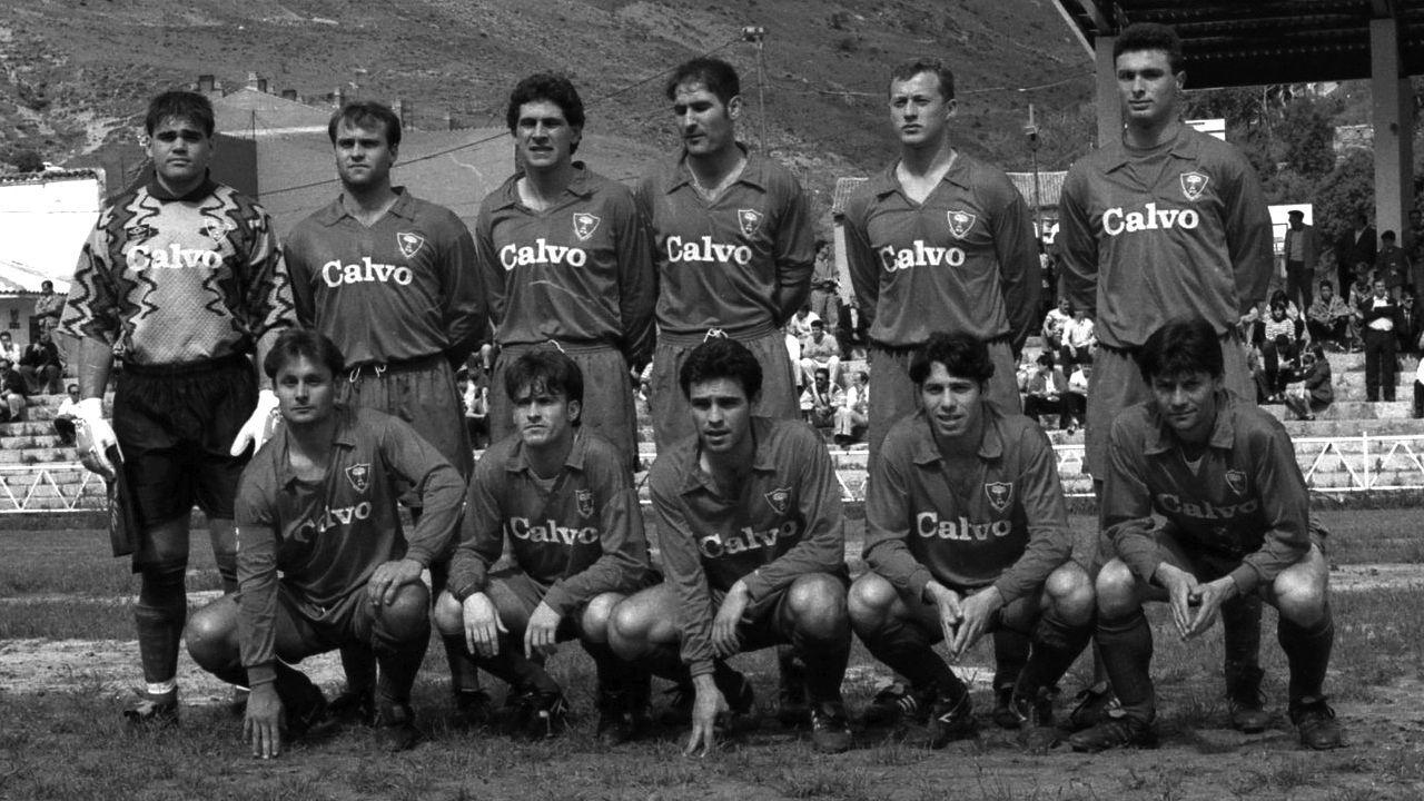Manuel Ángel, segundo por la derecha en la fila de abajo