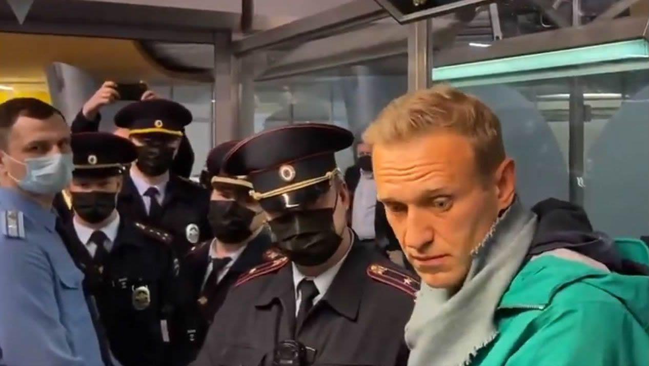 Navalni en el momento de su detención en el aeropuerto de Moscú