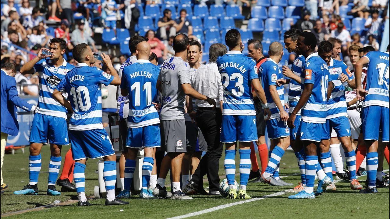 Las mejores imágenes del Girona - Deportivo.Jovanovic encara a Mojica en un lance del partido