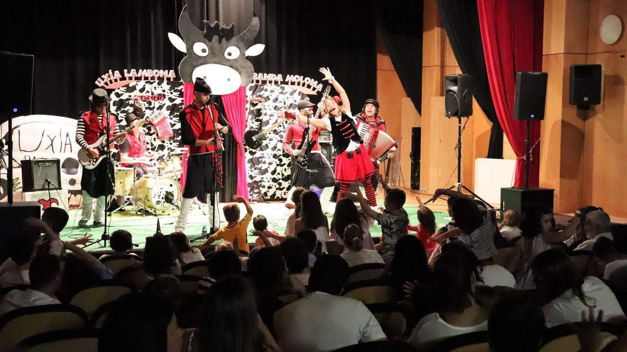 España reina en aguas de Arousa.Escuela unitaria de O Saltiño, en Boiro, que cerró en el año 2017 porque no se matriculó ningún niño