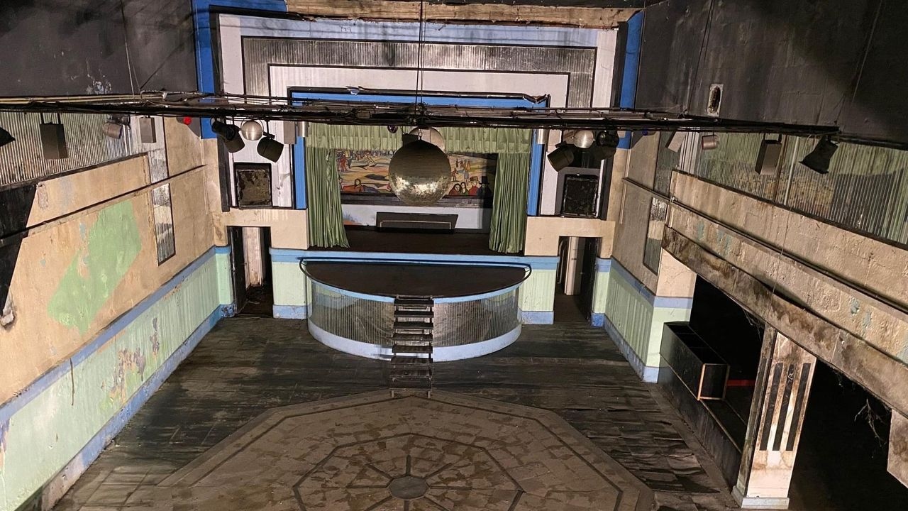 Interior del antiguo cine Man, que luego fue sala de fiestas de Rábade