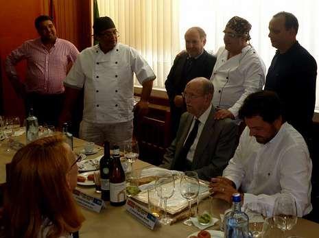 Cumbre de presidentes en Monte Pío.Una «feixoada» puso fin a los actos de hermandad Xallas-Río.