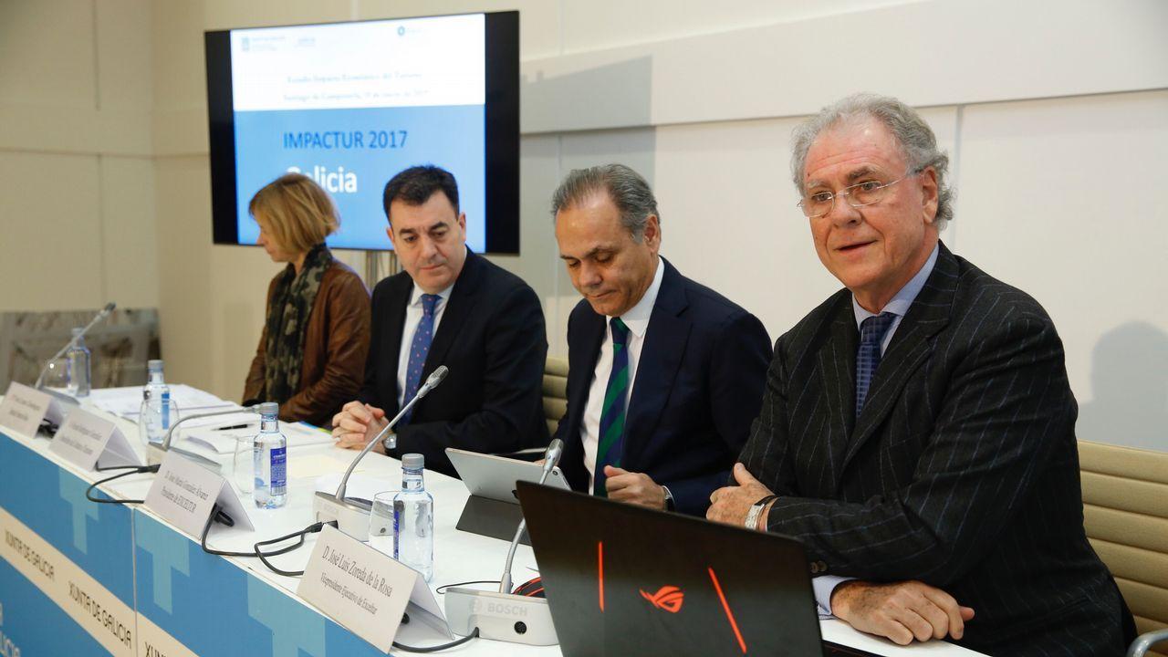 El PP de Casado escenifica una nueva etapa en la que quiere rearmarse en lo ideológico.Feijoo, Doforno, Irene Martínez y Valeriano Martínez