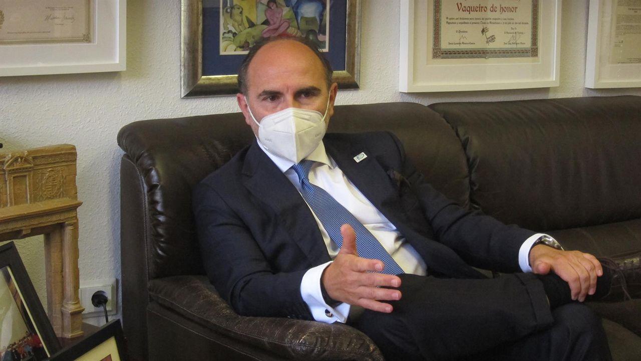 Ignacio Villaverde, precandidato a las elecciones al rectorado de la Universidad de Oviedo
