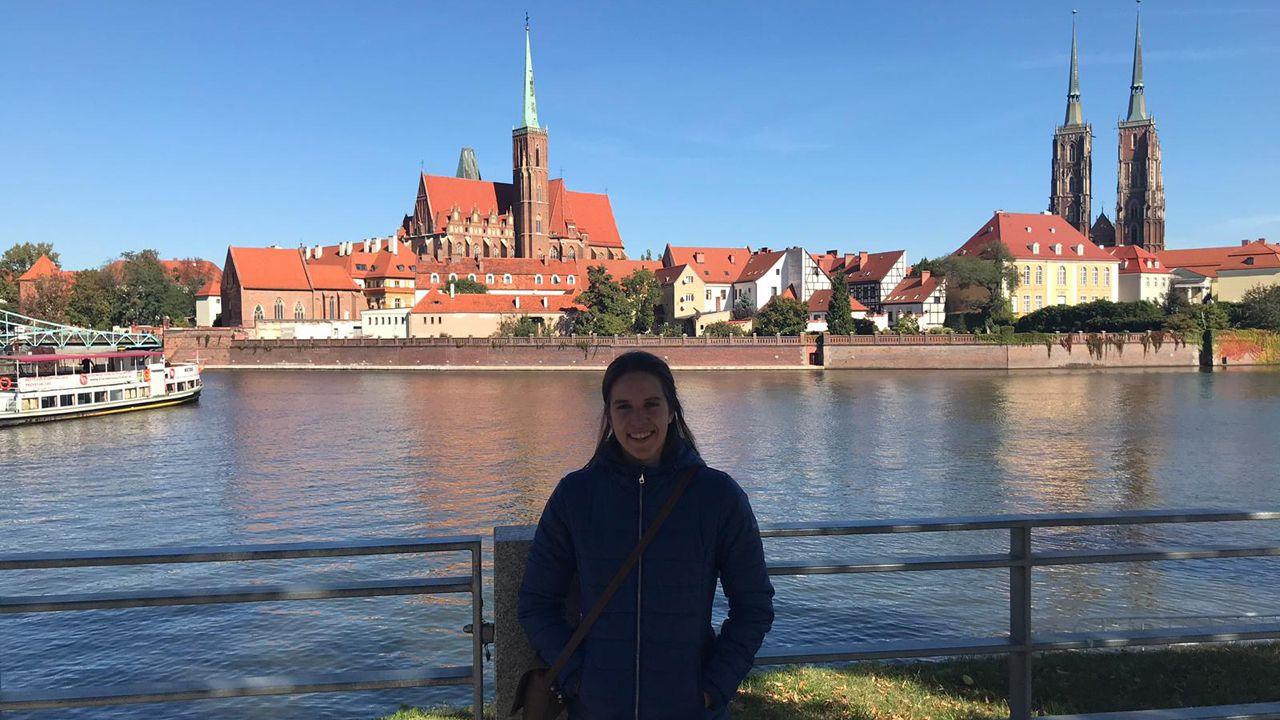 gasolinera, repostar, gasolina, estación de servicio.María Pérez Presa en la ciudad de Wroclaw, donde cursa su estancia de Erasmus