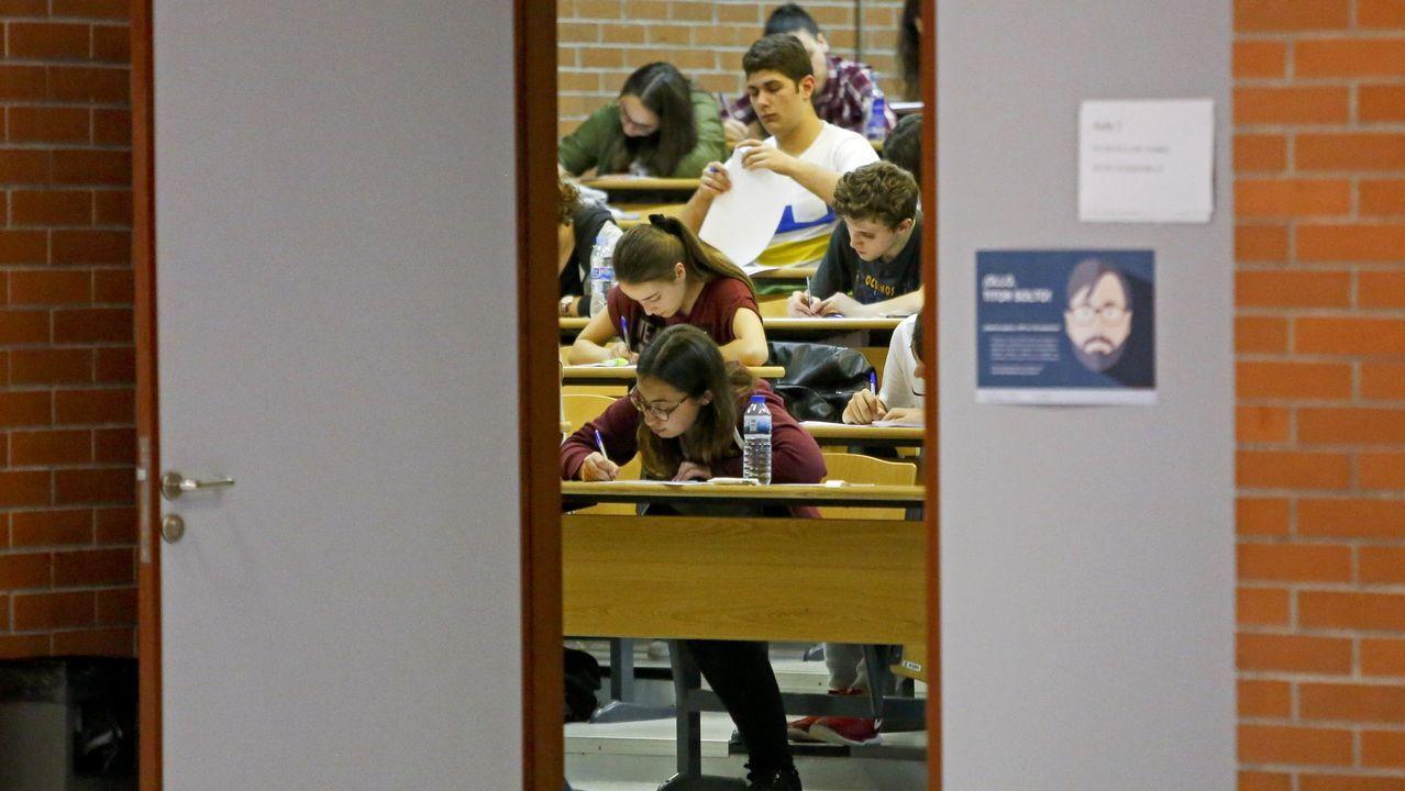 Examen de selectividad en Santiago  el curso pasado