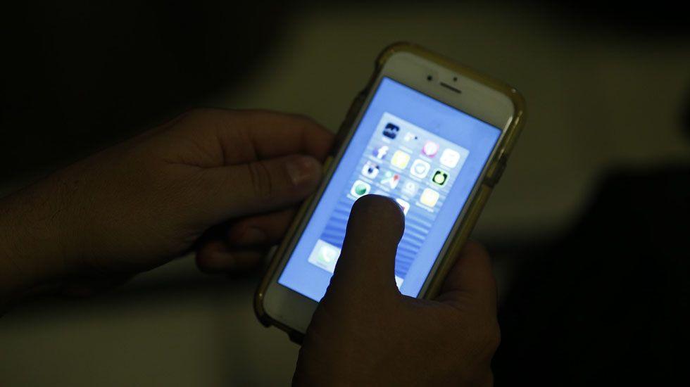 Teléfono móvil.El Consejo Ciudadano de Podemos Asturies