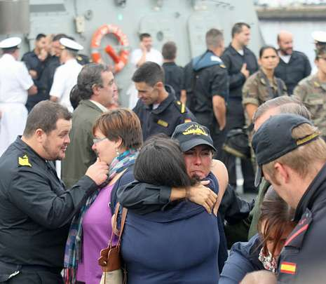Imagen de la despedida de la F-101 en el Arsenal.