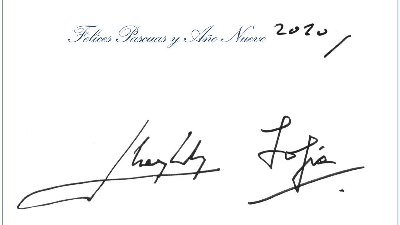 La postal firmada por los reyes eméritos