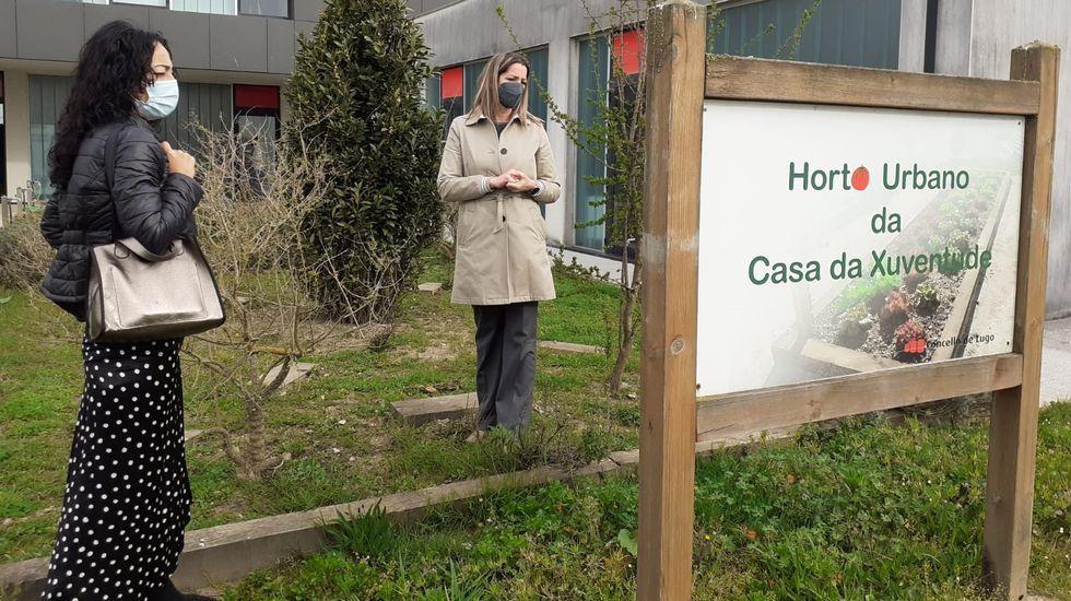 Ana González Abelleira e Lara Méndez presentaron o programa de actividades da Casa da Xuventude
