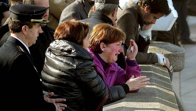 Familiaresy amigos de los policías protagonizaron escenas de gran emotividad