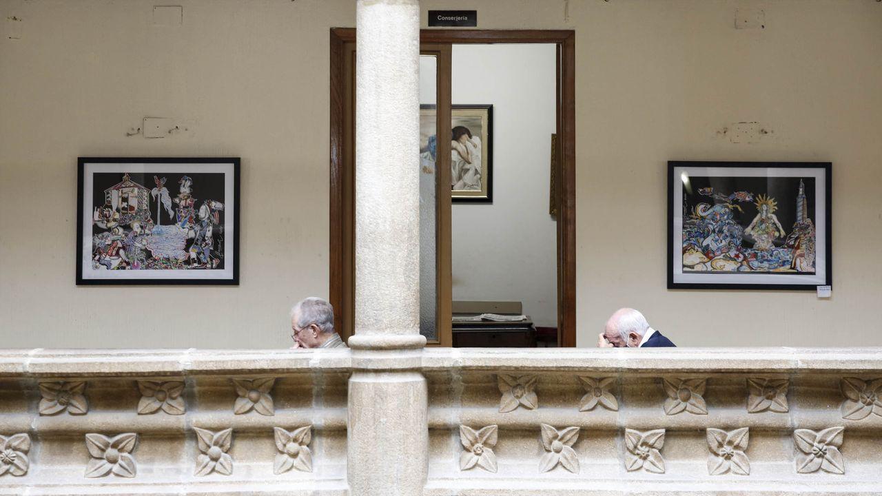 Alivio de las normas anticovid en Pontevedra.El Liceo acogerá la presentación del libro