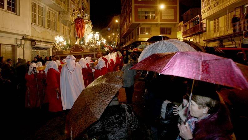 La procesión del Prendimiento tuvo que dar la vuelta