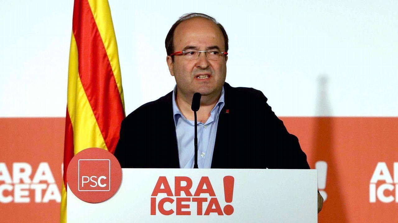 Desde la derecha, Adrián Barbón, Gimena Llamedo, Wencesalo López, José María Pérez, José Luis Alperi y Enrique Fernández.Comité Federal del PSOE