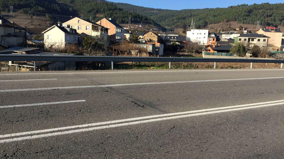 Así se trabaja en el yacimiento tardorromano de Valencia do Sil.La N-120 será reparada a su paso por Valdeorras