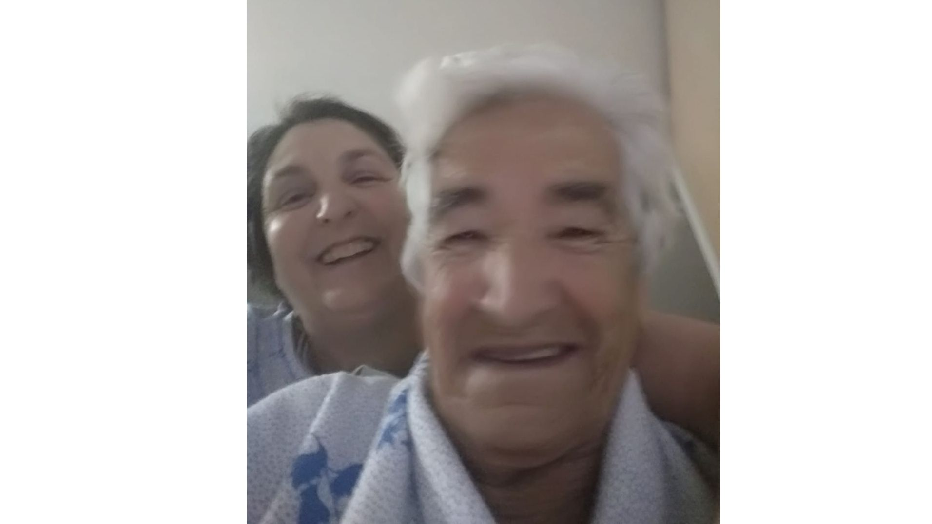 Madre e hija en un momento de la cuarentena