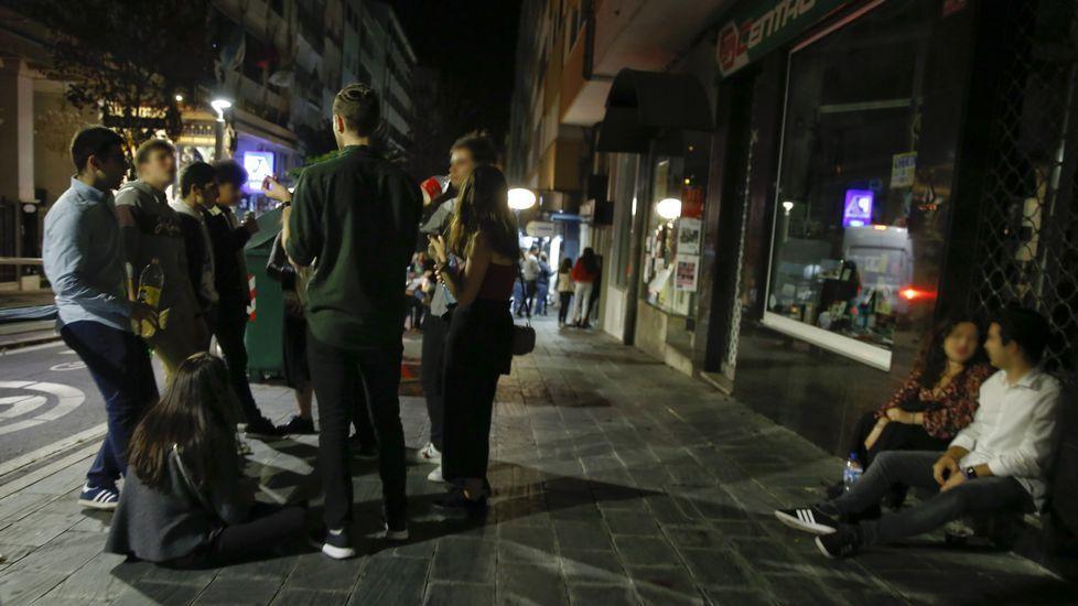 Las noches infernales de los vecinos del Ensanche por culpa del botellón