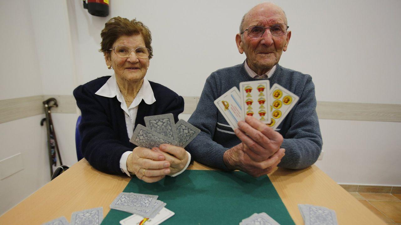 Tanto la acusada como los dos ancianos a los que cuidaba vivían en casas vecinas situadas en una misma finca en la parroquia arzuana de Figueiroa
