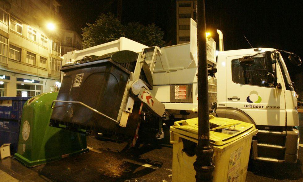La recogida de basuras y de limpieza de calles es el servicio por el que más paga el Concello.