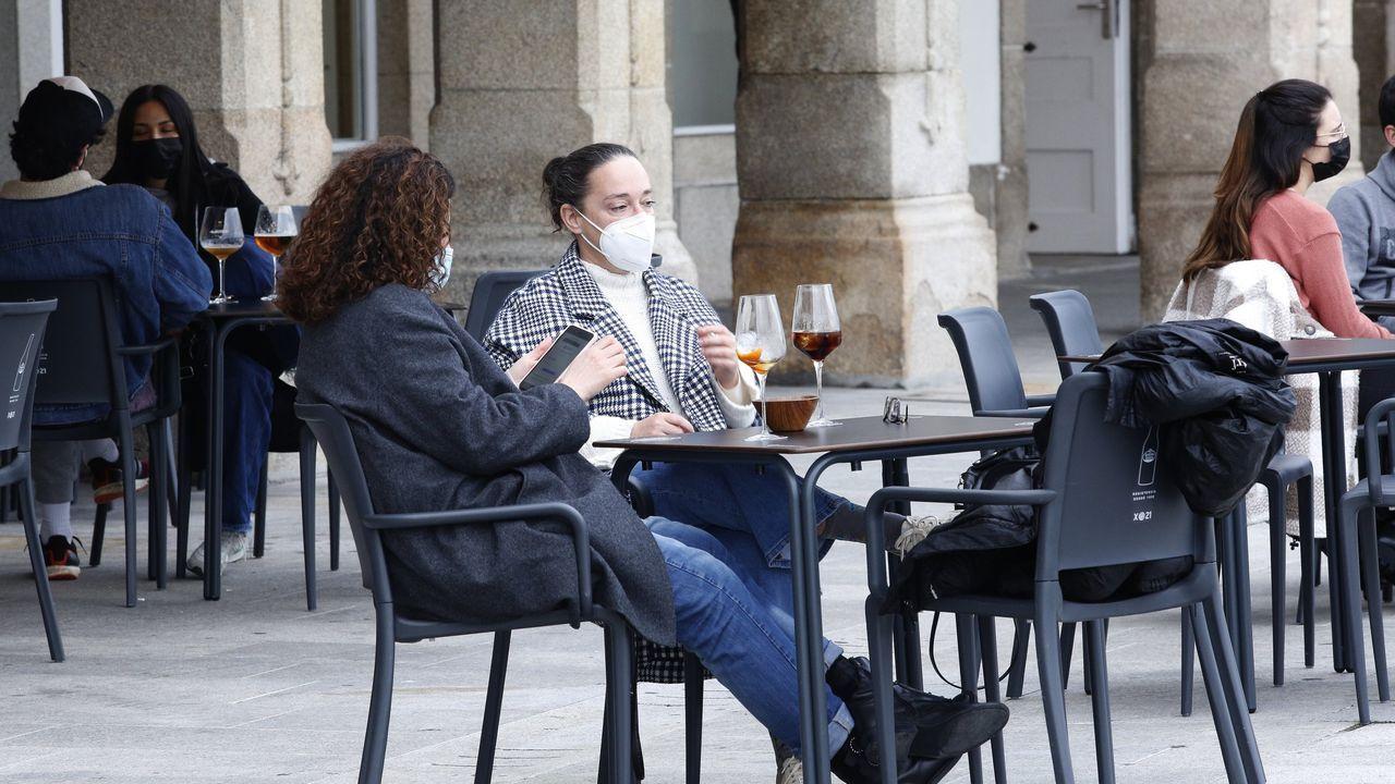 La nueva fase de la desescalada en A Coruña, en imágenes.Blanca Lida Meza solo tiene abierto el Stop, aunque gestiona tres cafeterías en Arteixo
