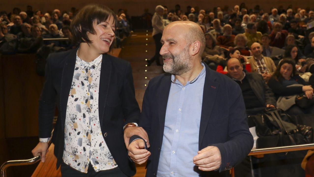 Ambiente en la moción de censura de Castrelo de Miño.Ana Pontón y Néstor Rego