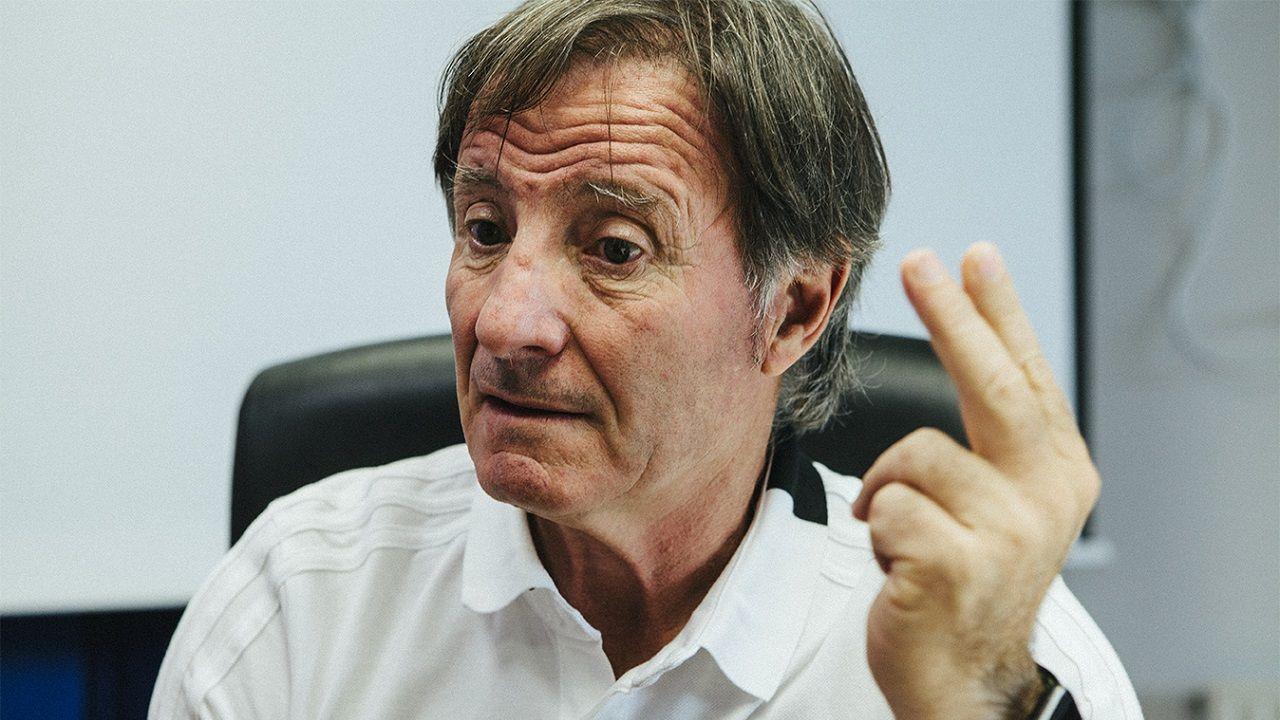 Alfonso Herrero Folch Cotugno Real Oviedo Huesca Carlos Tartiere.Anquela durante la entrevista
