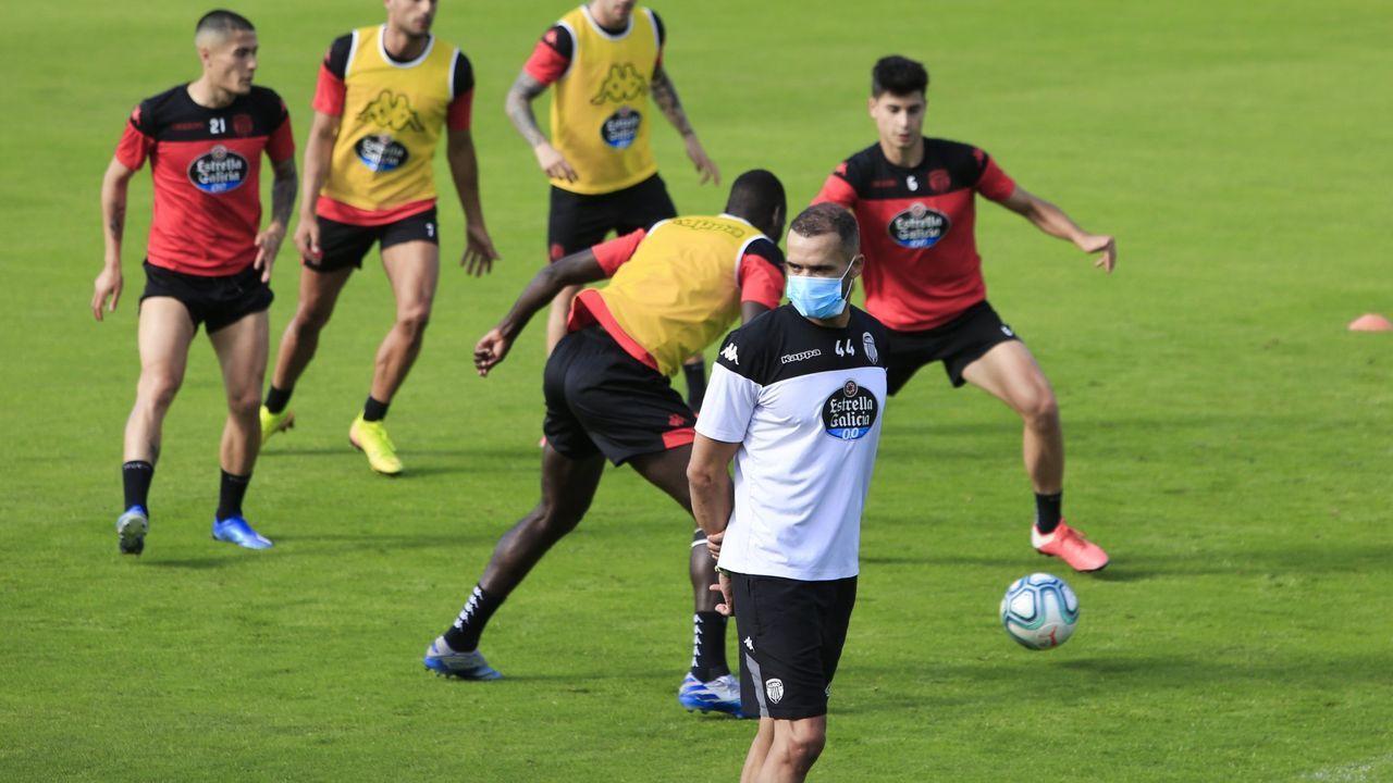 Juanfran durante un entrenamiento la pasada temporada