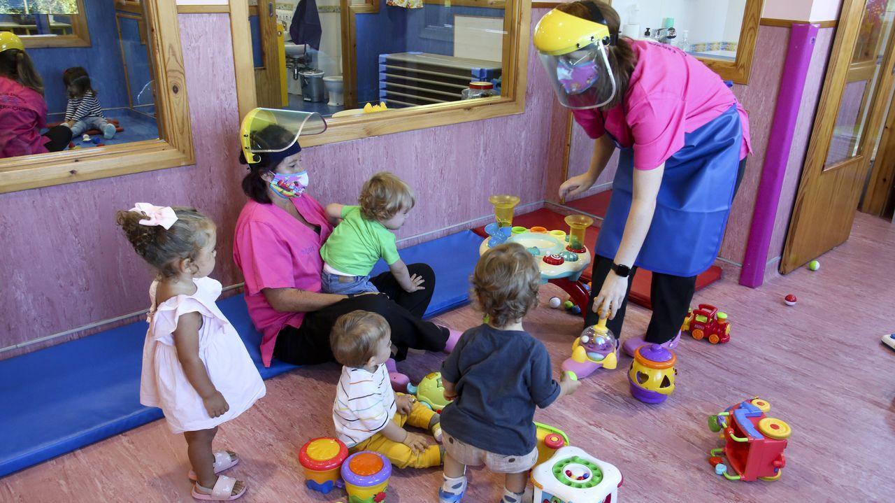 El personal de las escuelas infantiles trabaja en todo momento con elementos de protección