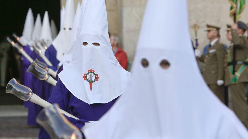 Salida de la procesión del Buen Jesús, en Lugo