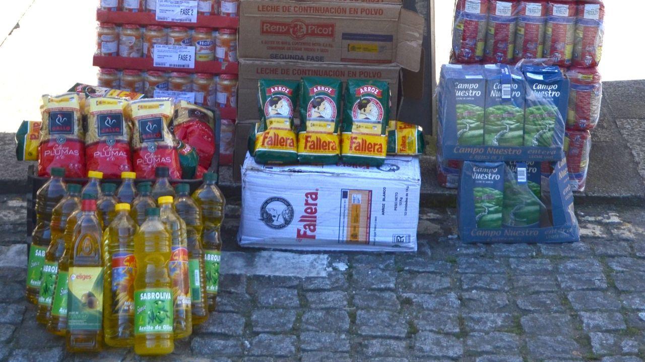Alimentos que recuperó la Policía Nacional tras los robos en el local de Cáritas en Villestro