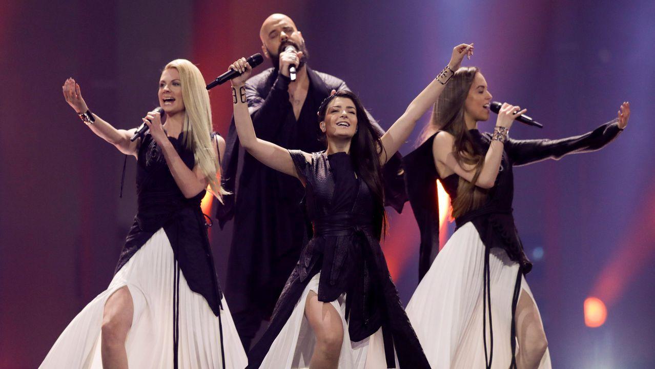 Actuación de los serbios Sanja Ilic & Balkanika