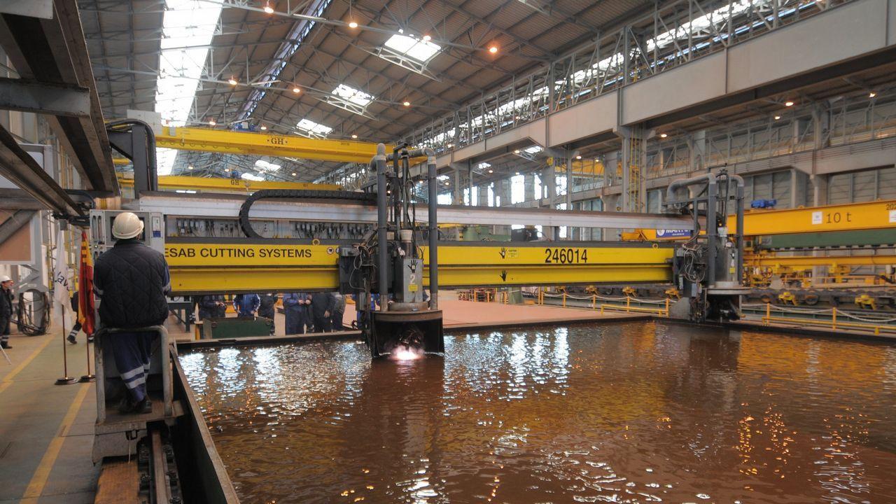 Así son las fragatas F-110 que construirán los astilleros de Ferrol.Corte de chapa del BAM