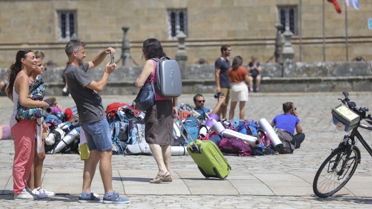 Así fue la llegada a Lavacolla de los niños que participan en el programa «Vacacións en paz»