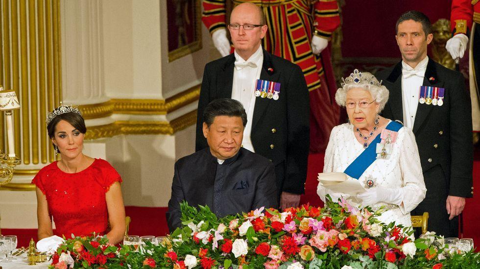 Los duques de Cambridge felicitan la Navidad junto a sus dos hijos pequeños