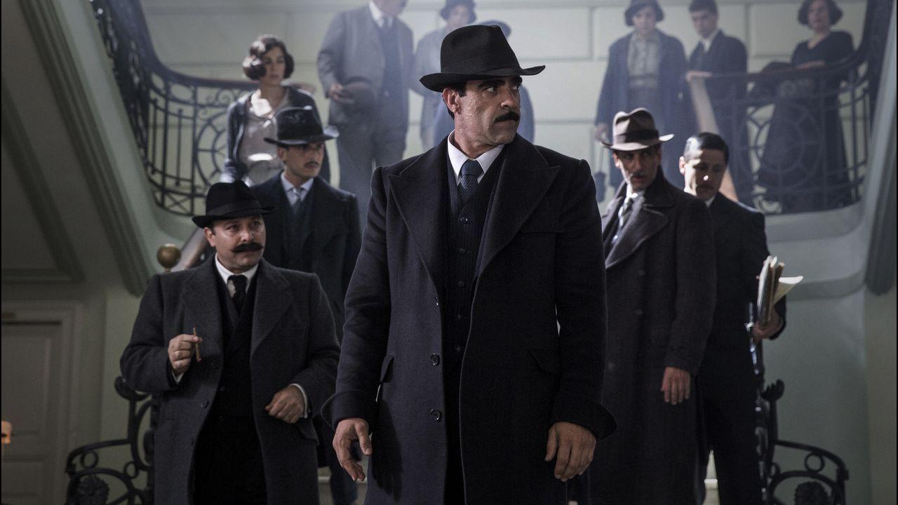Dieciocho heridos, dos de ellos críticos, en un incendio en Barcelona.El actor lucense Luis Tosar encarna en «La sombra de la ley» a un peculiar policía