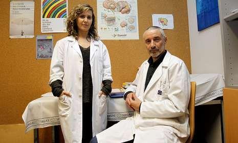 Los psicólogos Rebeca  Deus y Miguel Anxo García asistieron a las víctimas de Angrois.