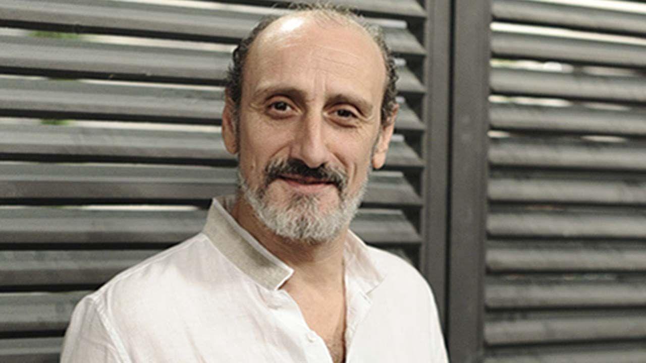 Cine de oscar, gratis en Oviedo.El actor José Luis Gil, que encarna a Cyrano de Bergerac en el Teatro Filarmónica de Oviedo
