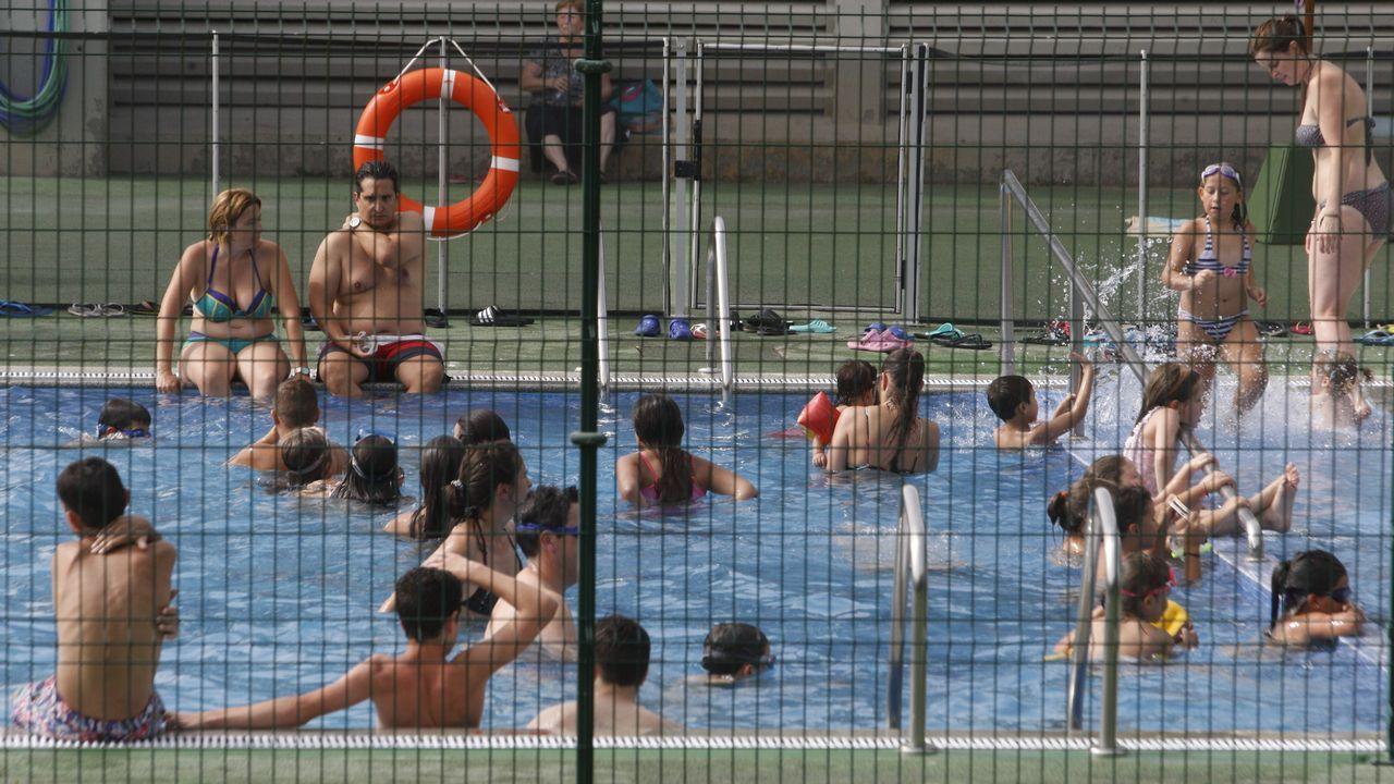 Este era el ambientazo de la piscina en Chantada