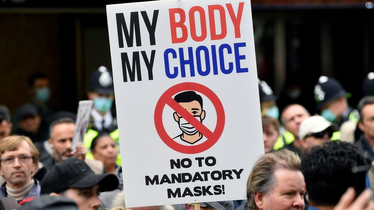 PROTESTAS EN LONDRES CONTRA EL USO DE MASCARILLAS