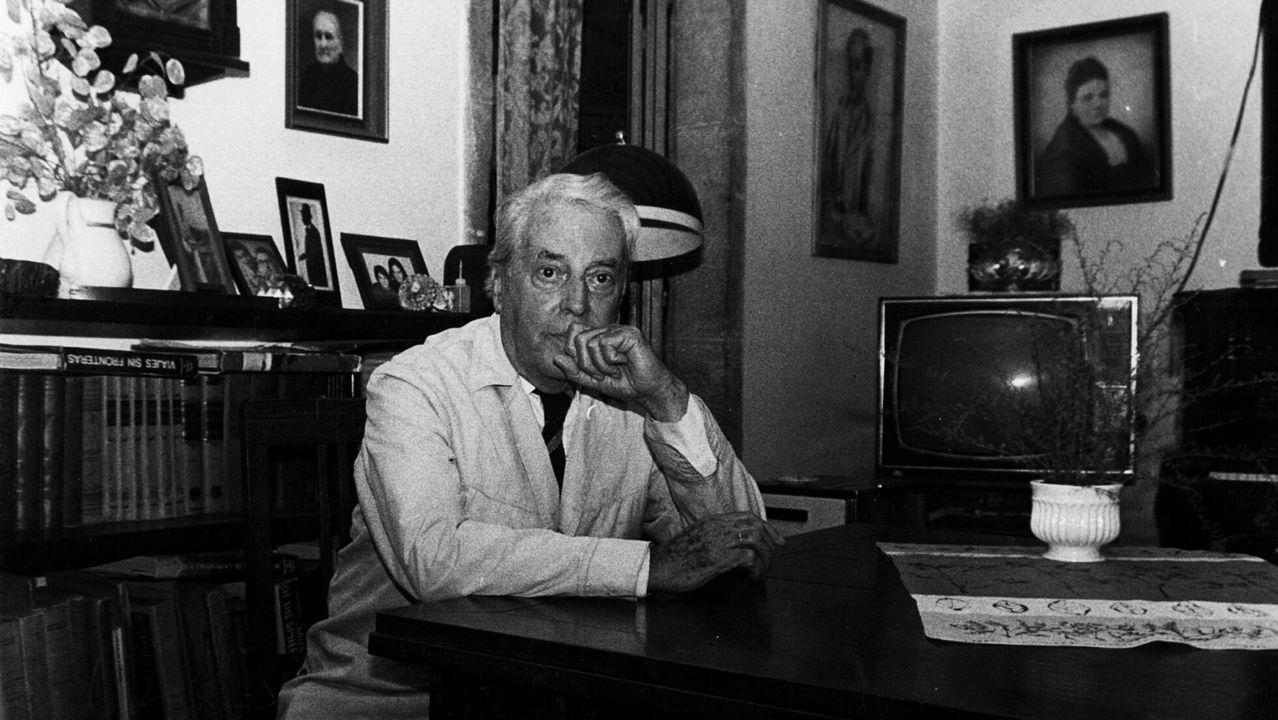 A biografía percorre as circunstancias vitais de Dieste e detense na súa obra literaria