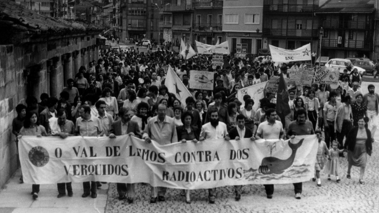 Manifestación en Monforte en 1982 contra los vertidos radiactivos